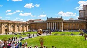 O pátio do museu do Vaticano Imagem de Stock