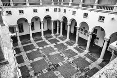 O pátio interno do Palazzo Ducale em Genoa imagens de stock