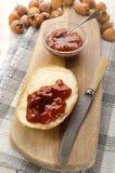 O pão com casa fez a geleia do quadril cor-de-rosa Imagem de Stock