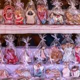 O pão-de-espécie figura na venda em um mercado, o 28 de agosto de 2016 Hungria Foto de Stock