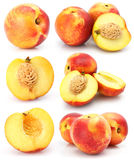 O pêssego natural frutifica coleção isolada no branco fotografia de stock