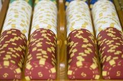 o póquer lasca dentro uma linha Imagem de Stock Royalty Free