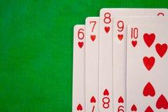 O pôquer do resplendor reto carda a combinação na sorte verde da fortuna do jogo do casino do fundo Imagens de Stock