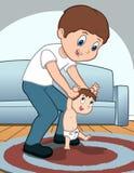 O pai ajuda a criança a andar