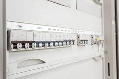 O painel bonde tem interruptores automáticos do fusível, fim acima Imagem de Stock Royalty Free