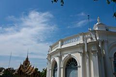 O palácio branco velho Foto de Stock