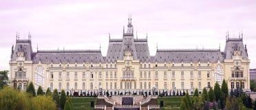 O palácio da cultura em Iasi foto de stock royalty free