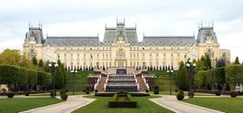 O palácio da cultura em Iasi, Romênia imagem de stock