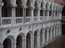 O palácio de Basilika em Veneza imagem de stock
