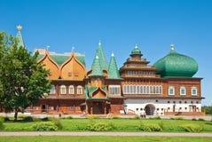 O palácio de madeira em Moscovo, Rússia Imagens de Stock