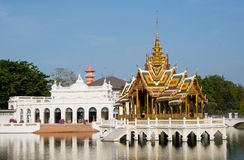 O palácio de verão real no Pa do estrondo dentro, Tailândia fotos de stock royalty free