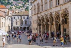 O palácio do reitor de Dubrovnik e o palácio de Sponza imagem de stock royalty free