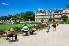 O palácio em jardins de Luxemburgo, Paris de Luxemburgo, França Imagem de Stock Royalty Free