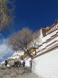 O palácio sagrado de Potala, uma terra pura para dez mil peregrinos imagem de stock