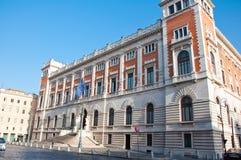 O Palazzo Montecitorio em agosto 8,2013 em Praça del Parlamento em Roma, Itália. Foto de Stock
