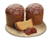 O Panettone com goiaba doce é a sobremesa italiana tradicional FO fotos de stock