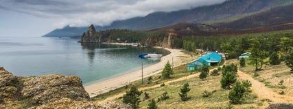 O panorama da baía é Sandy baikal fotografia de stock