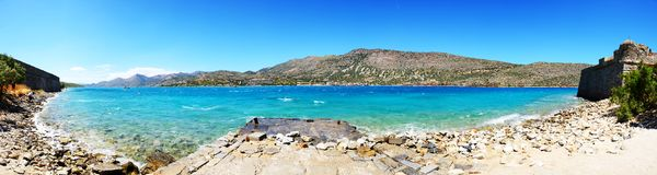 O panorama da vista da ilha de Spinalonga Fotos de Stock Royalty Free