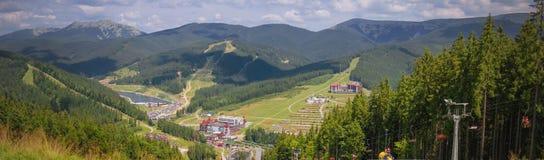 O panorama do Bukovel imagens de stock