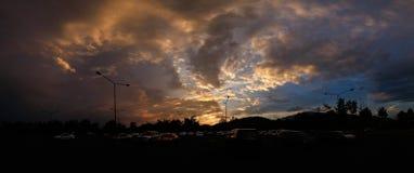 O panorama do por do sol no parque real Rajapruek Chiang Mai, Tailândia Foto de Stock