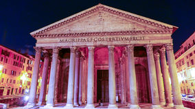 O panteão em Roma - marco famoso no distrito histórico imagens de stock