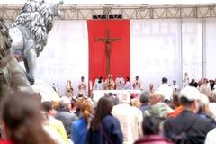 O Papa Francisco comemora a massa no quadrado de Macedônia, em Skopje imagens de stock royalty free