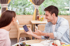 O par loving novo atrativo está datando dentro Imagens de Stock Royalty Free