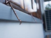 O parafuso da janela fotografia de stock royalty free