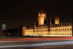 O parlamento de Londres na noite Fotos de Stock Royalty Free