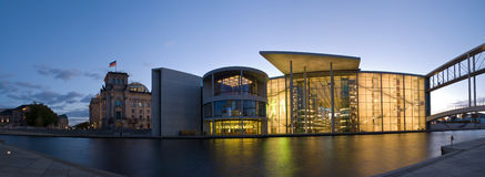O parlamento e reichstag de Berlim Fotografia de Stock Royalty Free