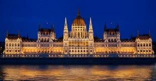 O parlamento húngaro em Budapest, Hungria Imagens de Stock