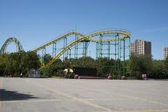 O parque de diversões, arquitetura moderna Fotografia de Stock