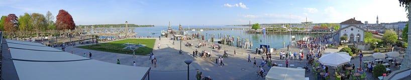 O parque do porto e da cidade de Konstanz fotos de stock