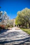 O parque e o jardim exteriores do estado de grande selo de New mexico em Santa Fe fotos de stock