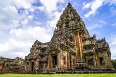 O parque histórico do degrau de Phanom é arquitetura velha da rocha do castelo imagem de stock