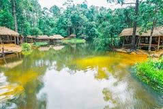 O parque nacional de Kirirom situado em Kompong spue província Kingdom of Cambodia a cachoeira e a montanha bonitas Imagem de Stock