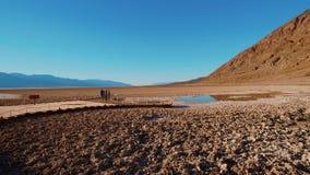 O parque nacional de Vale da Morte surpreendente em Califórnia vídeos de arquivo