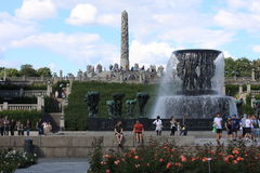 O parque original da escultura é lifework do ` s de Gustav Vigeland com mais de 200 esculturas no bronze, granito e Fotos de Stock Royalty Free