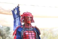 O participante do festival em um traje tradicional do samurai no Jerusalém do ` do festival do anuário Knights o ` fotografia de stock