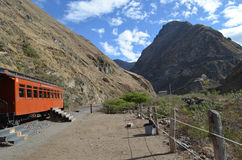 O passeio do trem do nariz do diabo, Equador imagens de stock