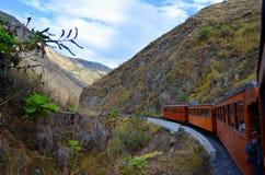 O passeio do trem do nariz do diabo, Equador imagens de stock royalty free