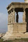 O patamar das donzelas sobre o Acropolis Fotos de Stock