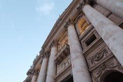 O patamar do papa Francis na basílica do ` s de St Peter imagem de stock