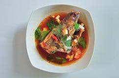 O patin de Pindang é uma sopa picante dos peixes de fotos de stock