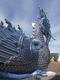 O pavão moldou a figura leão em um templo público Imagem de Stock