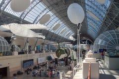 O pavilhão do espaço no centro de exposição de Todo-Rússia Imagem de Stock