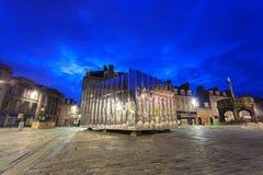 O Pavillion espelhado na porta do castelo para o festival da arte visual e do projeto imagem de stock