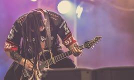 O perfurador da morte de cinco dedos, Zoltan Bathory vive no concerto 2017, metal pesado Imagens de Stock