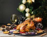 O peru cozido ou chiken ou o espaço do dia da ação de graças do Natal ou do ano novo para o texto Foto de Stock