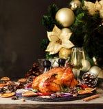 O peru cozido ou chiken ou o espaço do dia da ação de graças do Natal ou do ano novo para o texto Fotografia de Stock Royalty Free